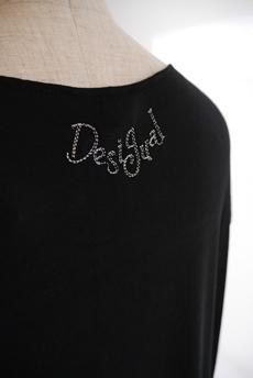 Desigual(デシグアル)Tシャツ ロゴ刺繍