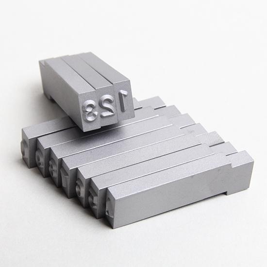 文字内容(0〜9)/材質(SK3材)