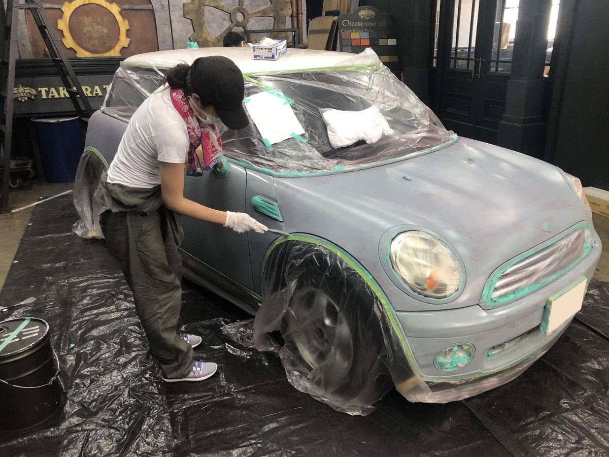 世田谷ベースカラーを塗る