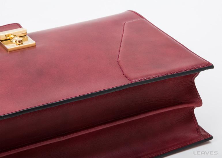 Foglia(フォーリア)ヌメ革ダレスバッグ