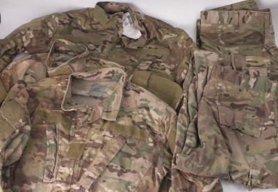 マルチカム ACU  FR インセクトガード シャツジャケットとパンツ