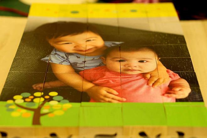 お孫さんの写真を木のパズルにUV印刷